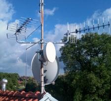Antény pro DVB-T, FM, kamera LAN, satelit